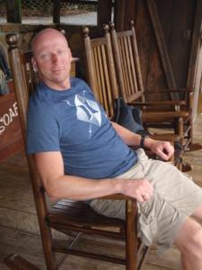 Arjan in de schommelstoel